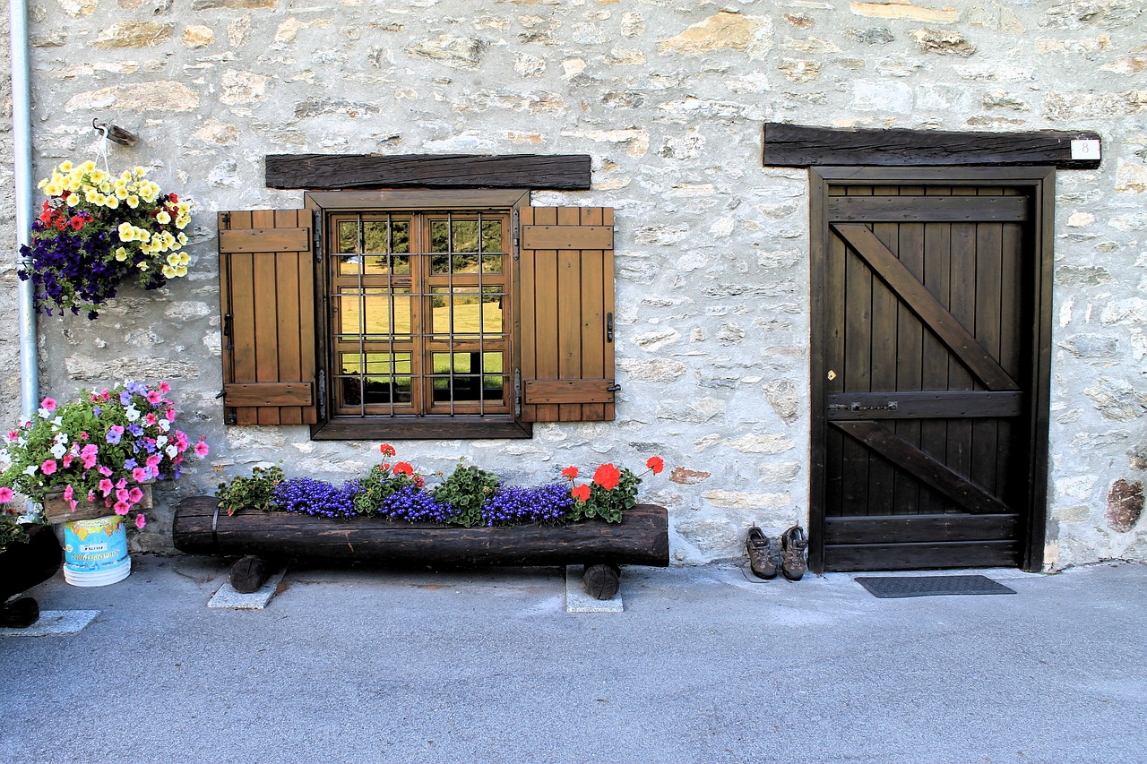 Connaitre les principales étapes de la réparation d'une porte